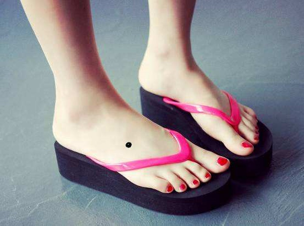 Ý nghĩa nốt ruồi ở bàn chân