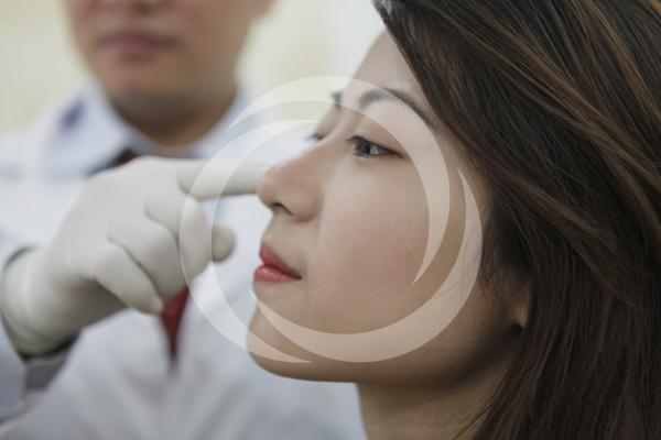 Tướng người mũi tẹt: Vận mệnh hanh thông hay khó khăn bộn bề?