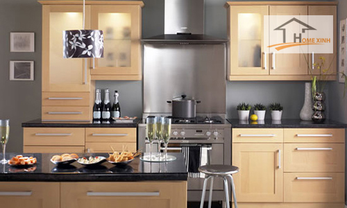 Nhà bếp không thông thoáng, động nước gây ra nhiều bệnh tật cho gia chủ.